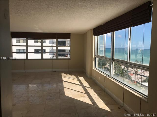 Carriage House 401 5401 Collins Ave 401 Miami Beach