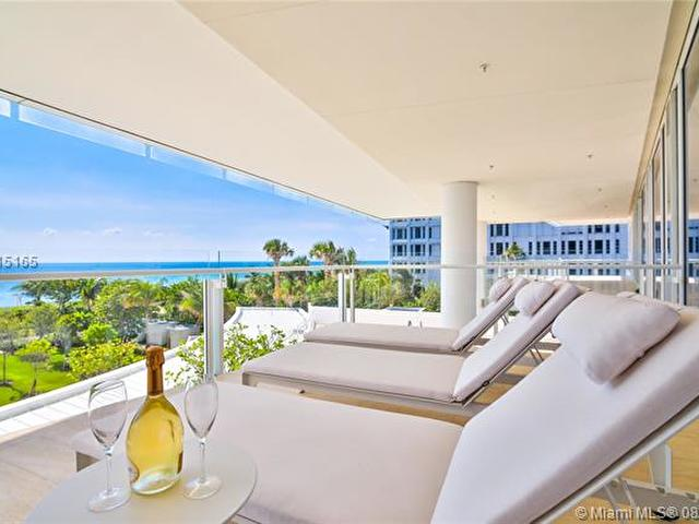 9001 Collins Ave S-303