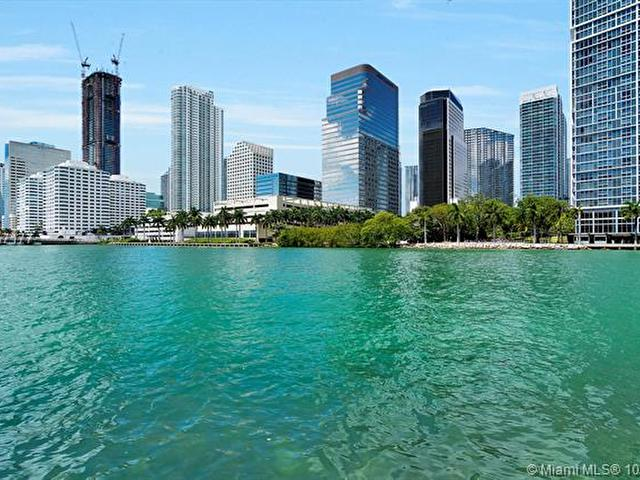COURTS BRICKELL KEY #PH-8