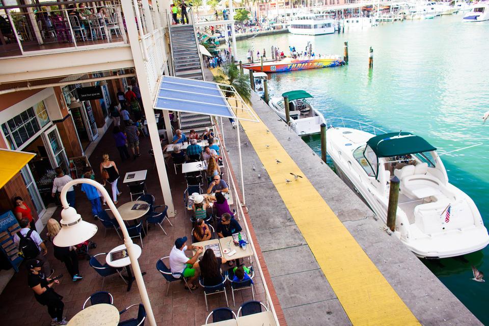 Dining Bayside Marketplace