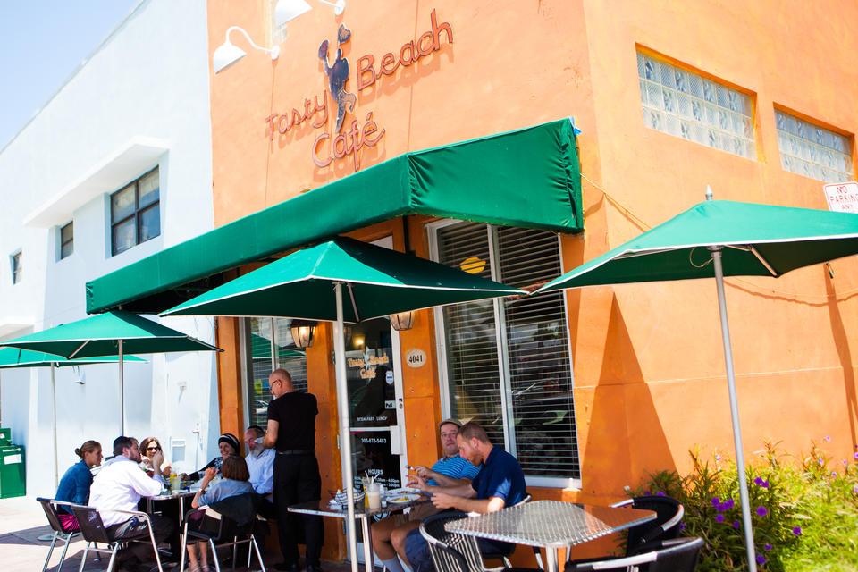 Tasty Beach Cafe